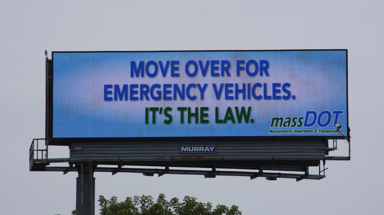 You are currently viewing Towing Companies Urge Drivers to Follow 'Move Over Law' after Crash