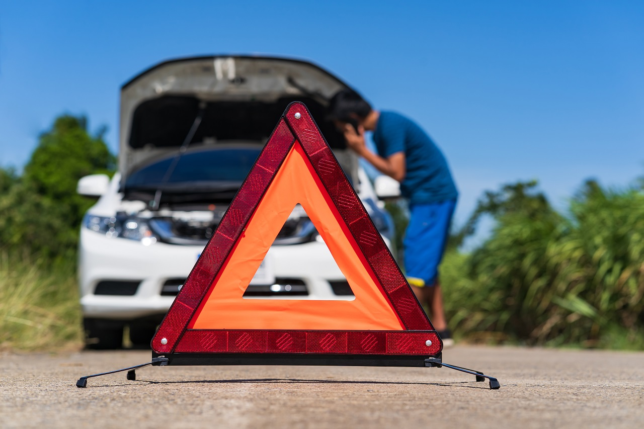 Things To Consider Before Hiring a Towing Service - One Click Towing